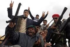 """El """"llevar la democracia"""" libios rebeldes OTAN-"""